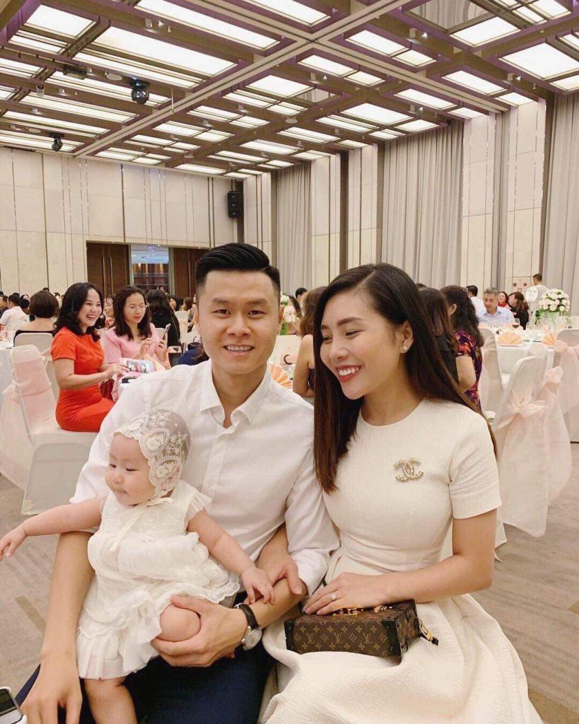 Bãc sĩ Nguyễn Phan Anh và gia đình hạnh phúc của mình