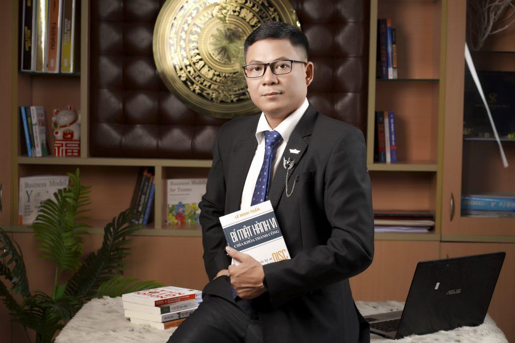 Trần Xuân Bình là ai? Trần Xuân Bình là Kỹ sư xây dựng cầu đường bộ, học viên Eagle Camp, Trưởng nhóm kinh doanh cấp cao Công ty TNHH BHNT Daiichilife Việt Nam