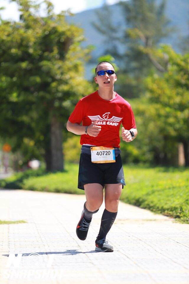 Lê Lương Toản chạy bộ đầy cảm hứng