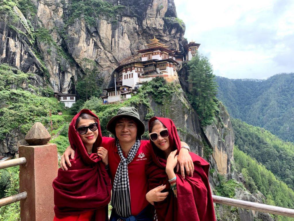 Nguyễn Thành An tại địa điểm du lịch nổi tiếng Tiger Nest tại Bhutan